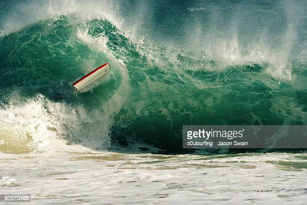 wipeout - bodyboarding at porthcurno beach, cornwa - s0ulsurfing stock pictures, royalty-free photos & images