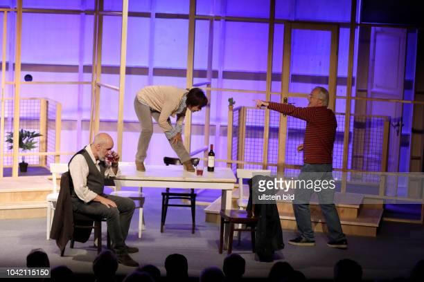 """Wir sind die Neuen"""", Komödie von Komödie von Ralf Westhoff gastiert vom 07. September bis 19. November 2017 im Theater am Dom in Köln. Darsteller:..."""