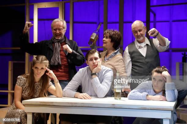 'Wir sind die Neuen' Komödie von Komödie von Ralf Westhoff gastiert vom 16 November 2016 15 Januar 2017 im Theater aan der Kö in Düsseldorf Simone...