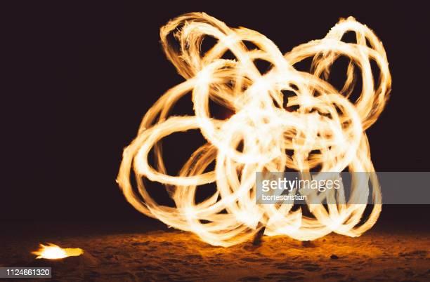 wire wool at night - bortes foto e immagini stock