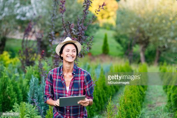 Wireless gardening gadget