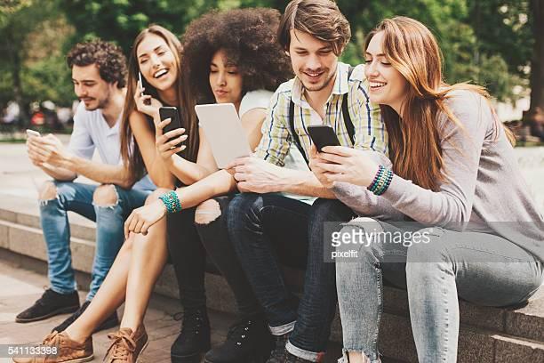 Tecnologia sem fios e jovens