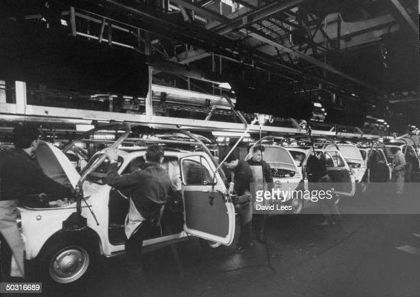 Wiring assembly line for Fiat 500's at Mirafiori plant