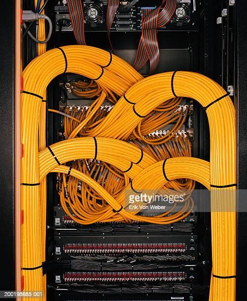 wiring on computer server - cabo imagens e fotografias de stock