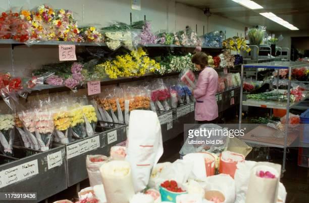 Wirtschaft Dienstleistung Detailhandel Fachgeschäft Economy Service Retail Trade Specialist Shop Supermarkt Supermarket Kultur Bildende Kunst...