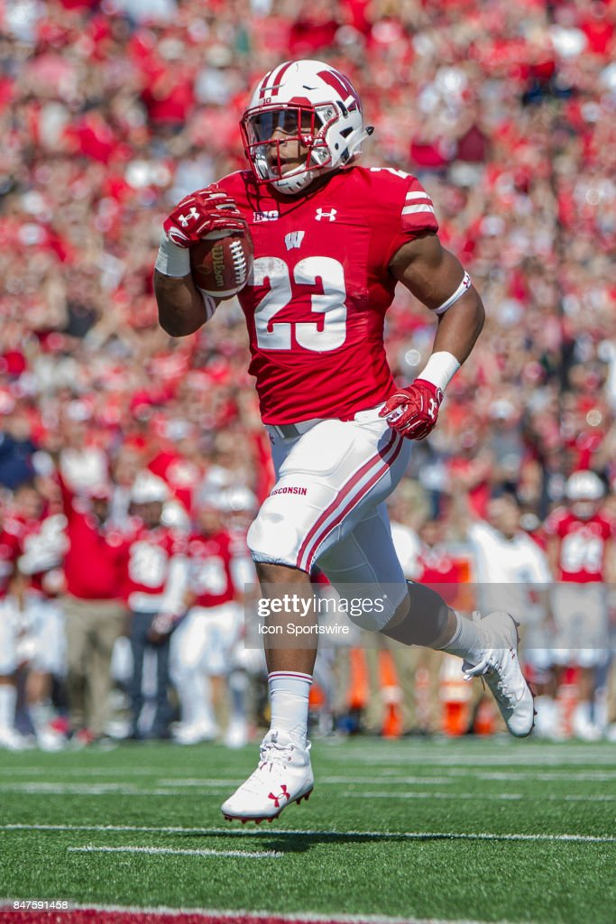 COLLEGE FOOTBALL: SEP 09 FAU at Wisconsin : News Photo