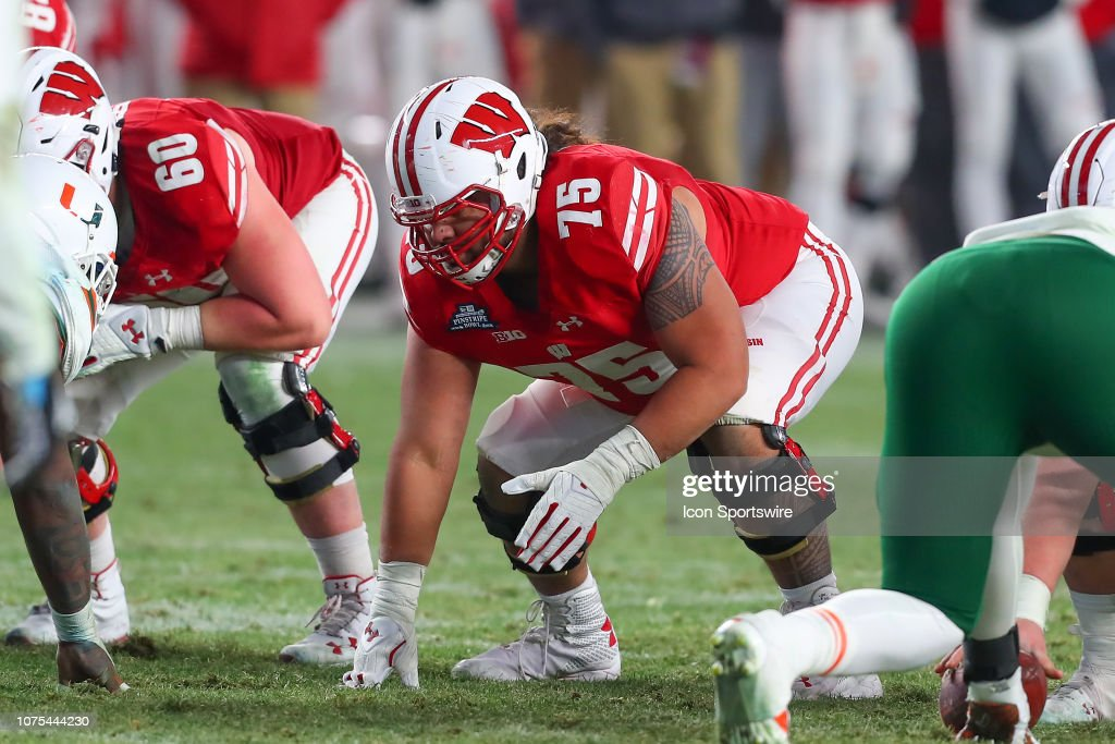 COLLEGE FOOTBALL: DEC 27 Pinstripe Bowl - Miami v Wisconsin : News Photo
