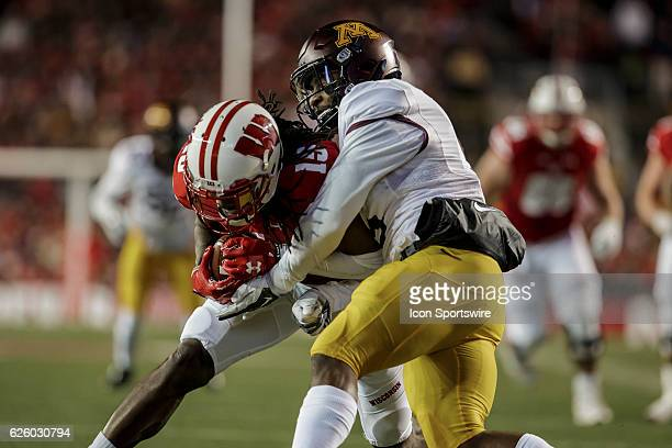 Wisconsin Badgers wide receiver Robert Wheelwright catches a pass close to the goal line durning an NCAA Football game between the 6th ranked...
