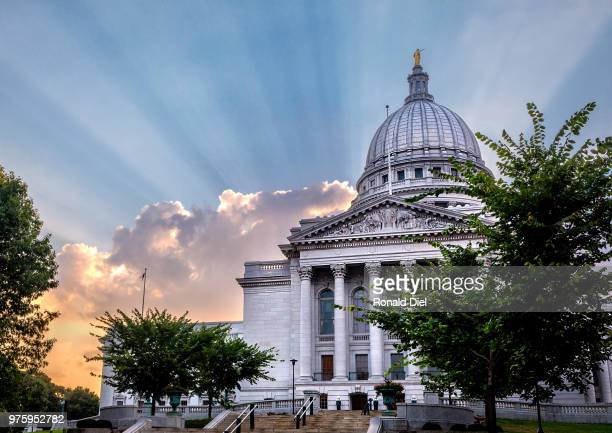 wisconsin capitol sunburst - iron_county,_wisconsin stock pictures, royalty-free photos & images