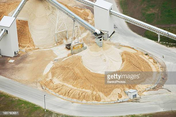 wisconsin frac sand processing facility piles - fracking stock pictures, royalty-free photos & images