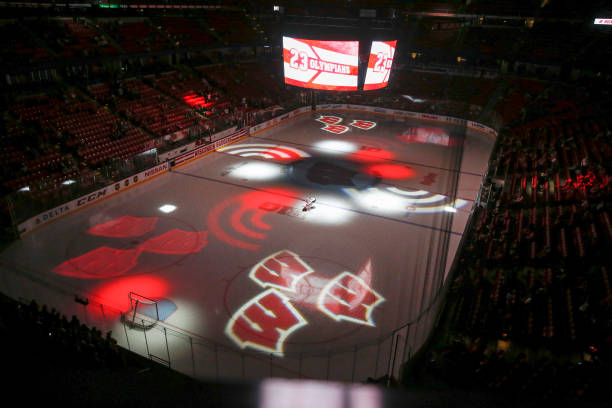 College Hockey Nov 26 Mercyhurst At Wisconsin Pictures Getty Images