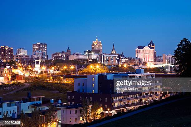 USA, Wisconsin, Milwaukee, City view at night