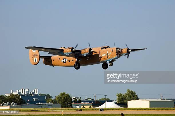 Wisconsin Oshkosh Wittman Regional Airport Air Venture 2006 Consolidated Heavy Bomber B24 Liberator Diamond Lil landing