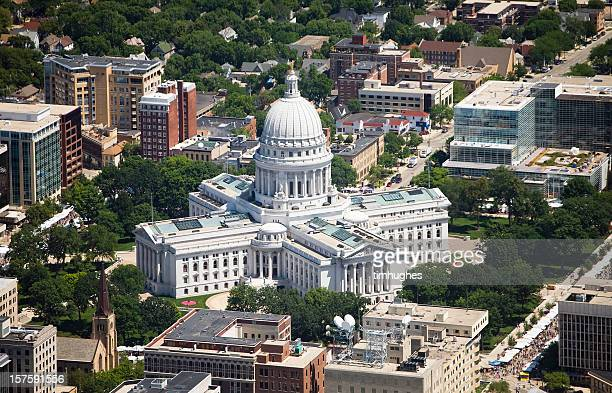 wisconsin state capital aerial view - madison wisconsin stock pictures, royalty-free photos & images