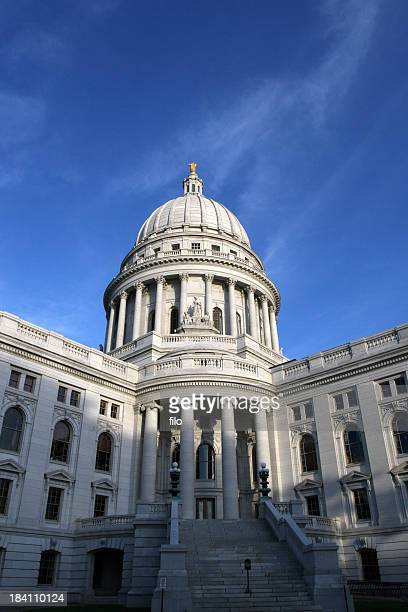 wisconsin state capitol - kapitell stock-fotos und bilder