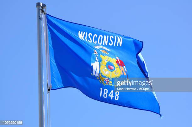 wisconsin state flag - iowa_county,_wisconsin stock pictures, royalty-free photos & images