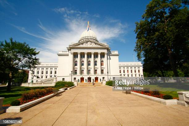 wisconsin's capitol building - madison - iron_county,_wisconsin stock pictures, royalty-free photos & images