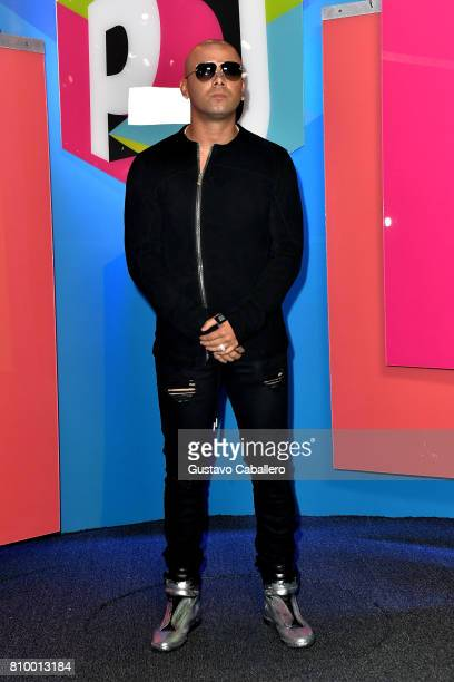 Wisin attends the Univision's 'Premios Juventud' 2017 Celebrates The Hottest Musical Artists And Young Latinos ChangeMakers at Watsco Center on July...