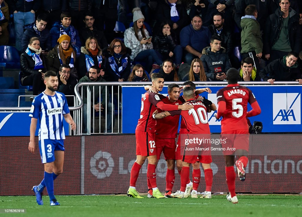 Deportivo Alaves v Sevilla FC - La Liga : News Photo
