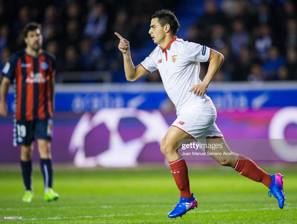 Wissam Ben Yedder of Sevilla FC celebrates after scoring goal during the La Liga match between Deportivo Alaves and Sevilla FC at Mendizorroza stadium on March 6, 2017 in Vitoria-Gasteiz, Spain.
