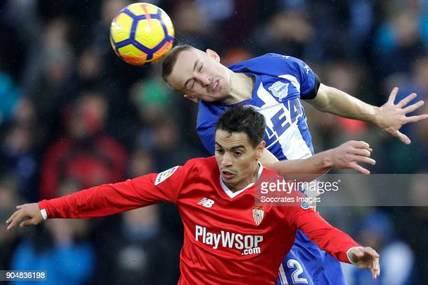 Wissam Ben Yedder of Sevilla FC Rodrigo Ely of Deportivo Alaves during the La Liga Santander match between Deportivo Alaves v Sevilla at the Estadio...