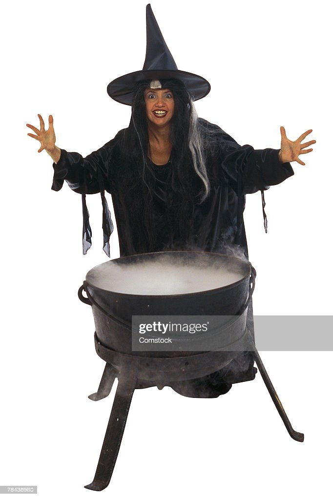 Witch and kettle of brew : Stockfoto