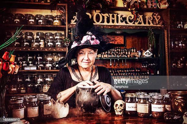 hexe serie: apothecary - hexe stock-fotos und bilder