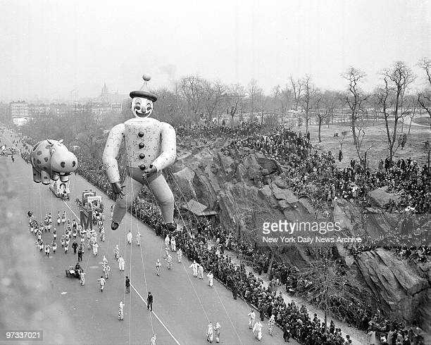 With a dopey clown and the kind of hippo you see only in a hangover Macy's annual Thanksgiving Day parade trundles down Central Park West