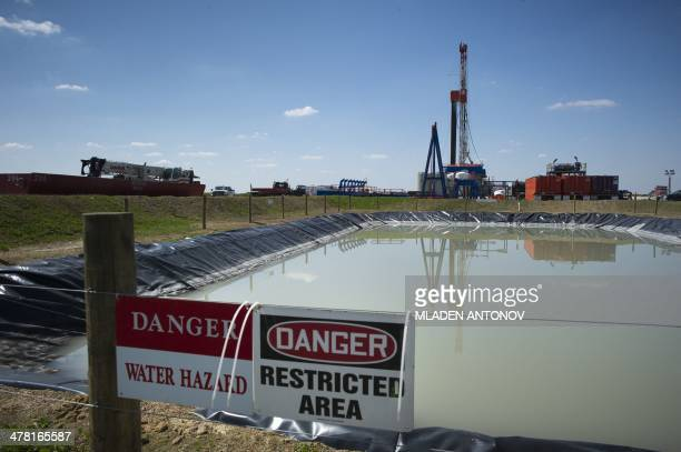 USEnergyGasEnvironment A Consol Energy Horizontal Gas Drilling Rig explores the Marcellus Shale outside the town of Waynesburg PA on April 13 2012 It...