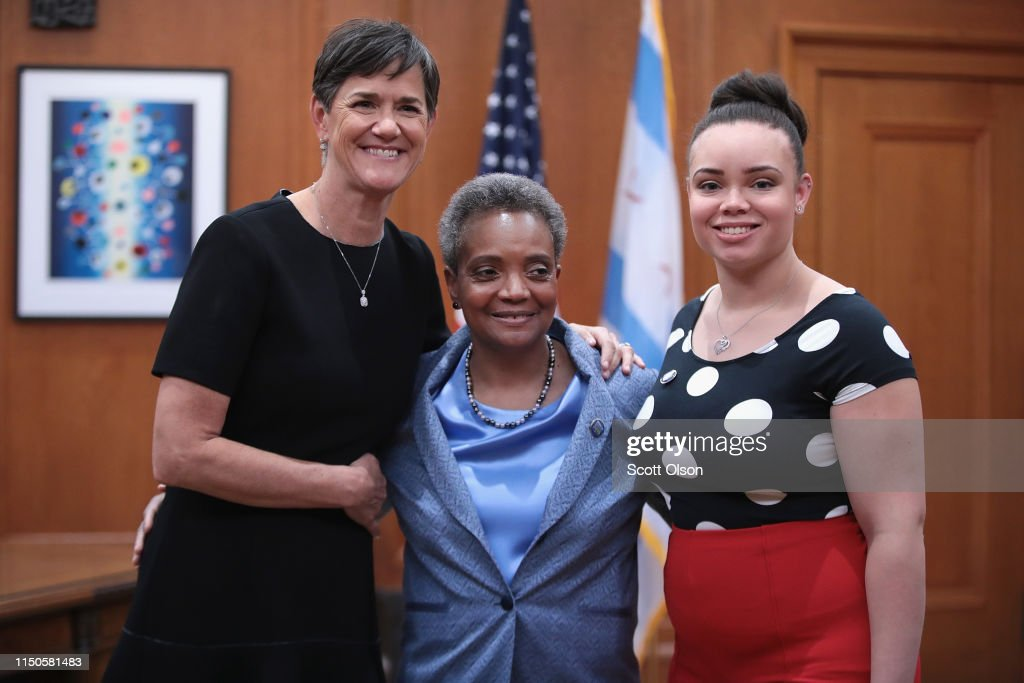 With Her Wife Amy Eshleman By Her Side Lori Lightfoot Greets Guests News Photo Getty Images Mayor bill de blasio and first lady chirlane mccray welcome chicago mayor lori lightfoot and her wife, amy eshleman to gracie mansion on tuesday, june 18, 2019. https www gettyimages com detail news photo with her wife amy eshleman by her side lori lightfoot news photo 1150581483