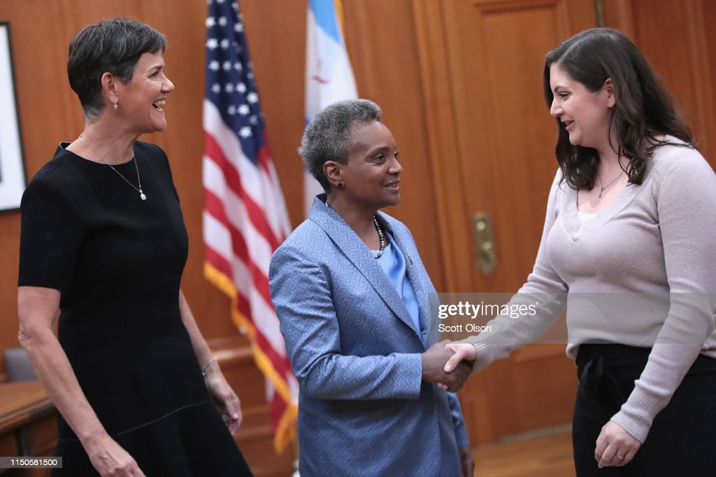 With Her Wife Amy Eshleman By Her Side Lori Lightfoot Greets Guests News Photo Getty Images Amy eshleman is from illinois. https www gettyimages com detail news photo with her wife amy eshleman by her side lori lightfoot news photo 1150581500