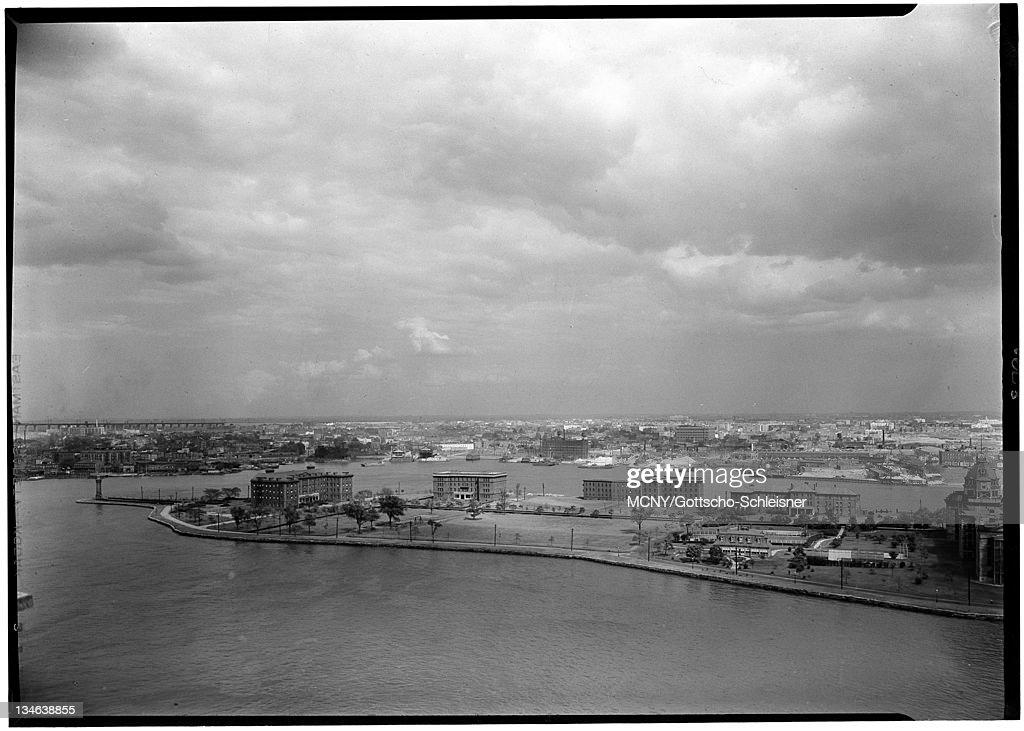 Views from 80th Street and East River. View east, Welfare Island. : News Photo