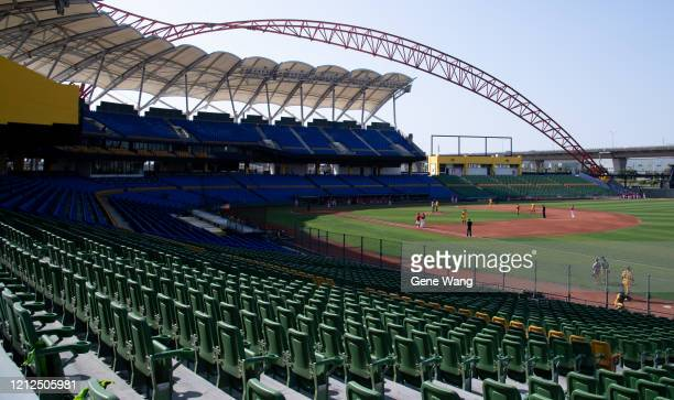 With the new policy ruled by CPBL,zero audiences can be at the court when the pre-season was play,only staff and reporter can be at the scene during...