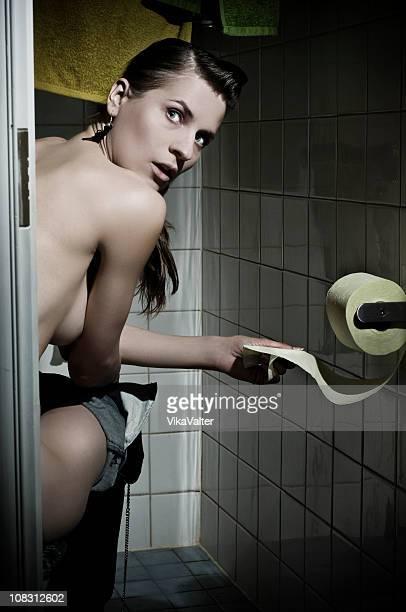 mit der hose unten - funny toilet paper stock-fotos und bilder