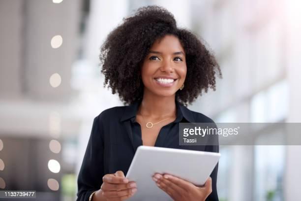 com a mentalidade certa tudo é possível - mulher de negócios - fotografias e filmes do acervo