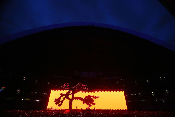 U2 plays 'Where the Streets have no name' at the Rogers
