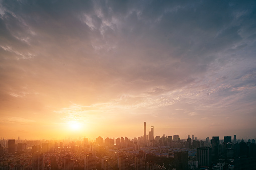 with the sunshine and clouds above the horizon - gettyimageskorea