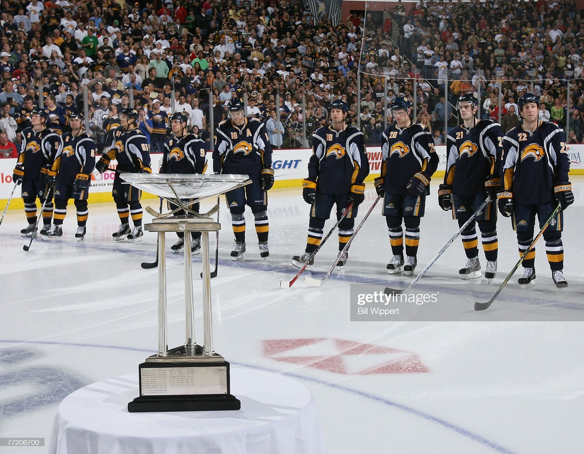 New York Islanders v Buffalo Sabres : News Photo