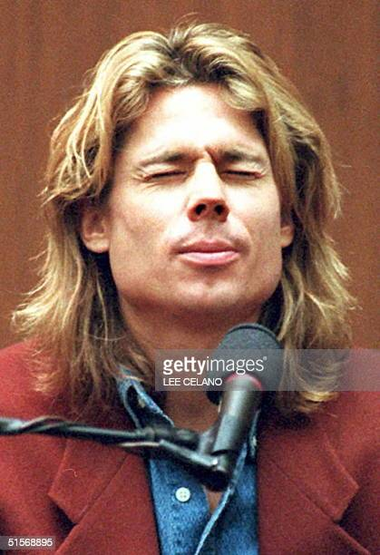 Witness Brian Kato Kaelin closes his eyes and thinks during crossexamination by defense attorney Robert Shapiro during the OJ Simpson murder trial 23...