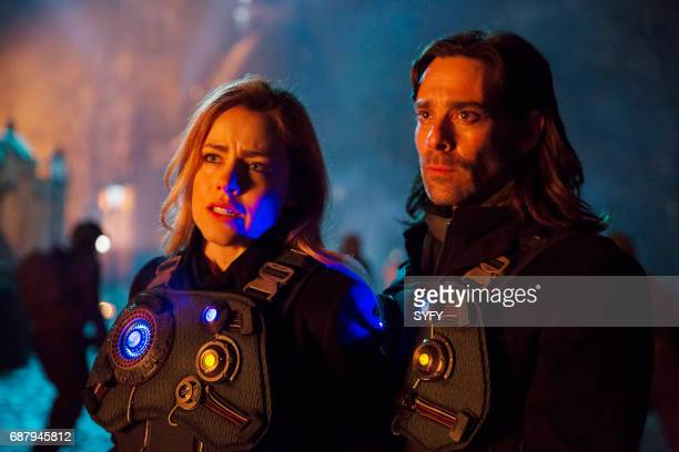 12 MONKEYS Witness Episode 310 Pictured Amanda Schull as Cassandra Railly James Callis as Athan