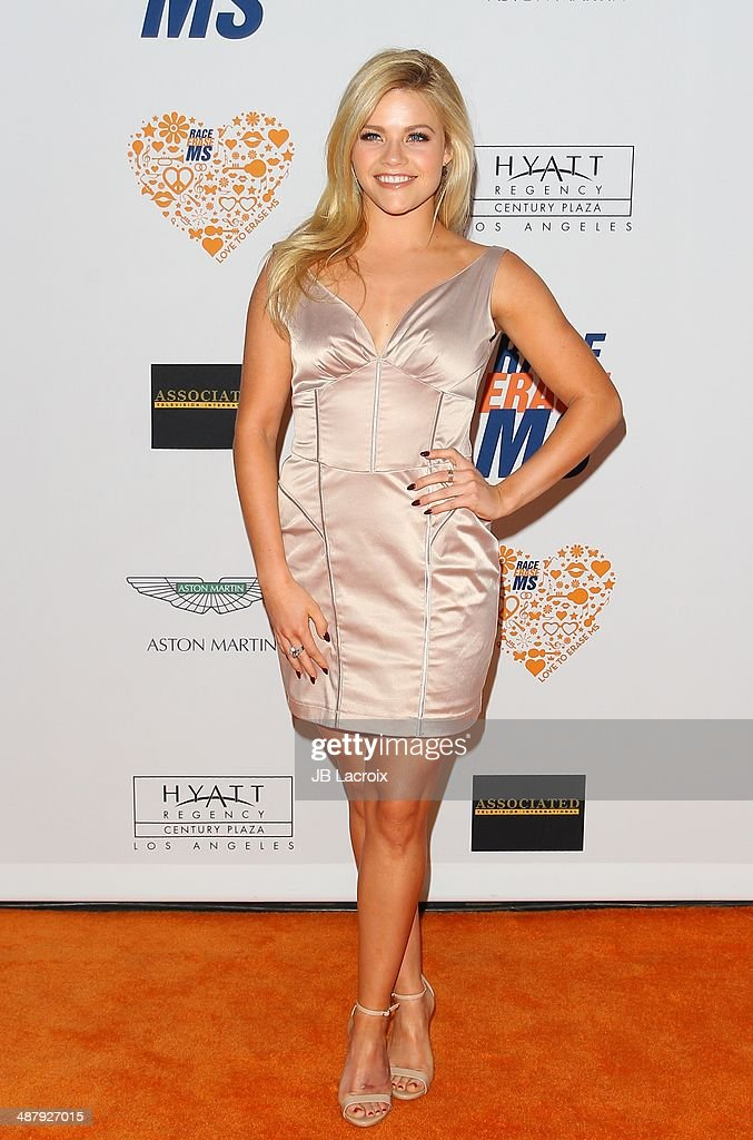 21st Annual Race To Erase MS Gala - Arrivals : News Photo