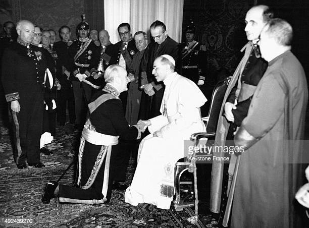 Wladimir d'Ormesson ambassador in Vatican city kneeling in front of Pope Pius XII Vatican