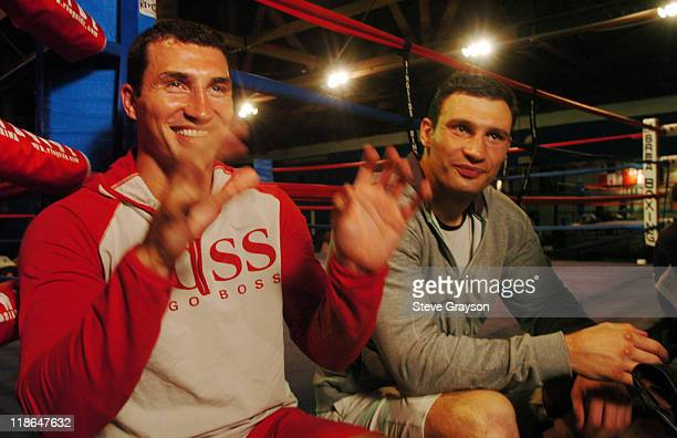Vitali Klitschko Vs Wladimir Klitschko Pictures and Photos |