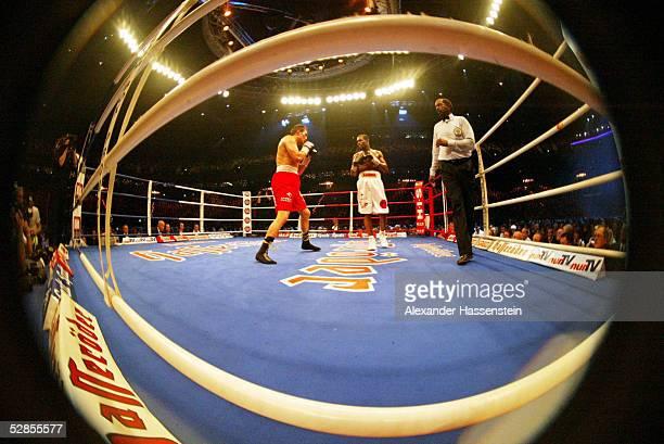 Kampf im Halbschwergewicht 2003 Hamburg Dariusz MICHALCZEWSKI/POL Derrick HARMON/USA Sieger Dariusz MICHALCZEWSKI