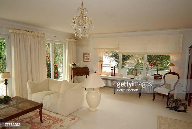 Wohnung von Heide Keller Homestory Bad Godesberg / Bonn NordrheinWestfalen Deutschland Europa Wohnzimmer Sofa Schauspielerin