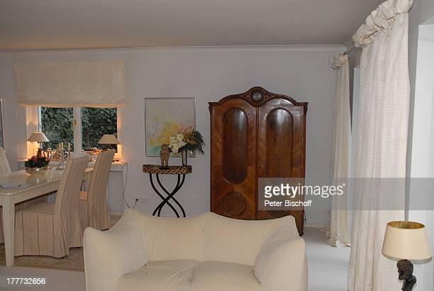 Wohnung von Heide Keller Homestory Bad Godesberg / Bonn NordrheinWestfalen Deutschland Europa Wohnzimmer Sofa Schrank Schauspielerin
