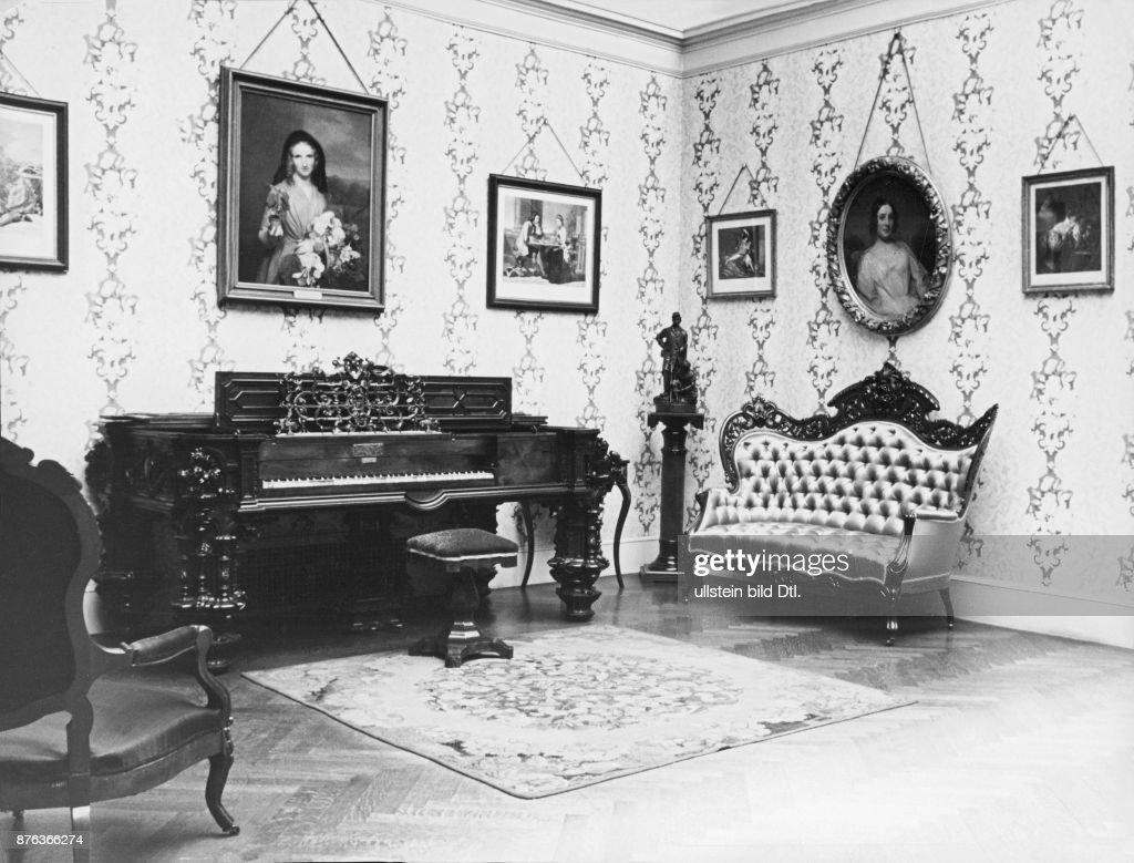 Wohnungseinrichtung Im Viktorianischen Stil Ausgestellt Im Metropolitan  Museum New York Ohne Jahr