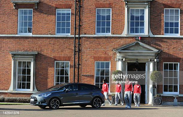 Wojciech Szczesny Alex Song Bacary Sagna and Alex OxladeChamberlain of Arsenal join stars from the English National Ballet to film a video for...