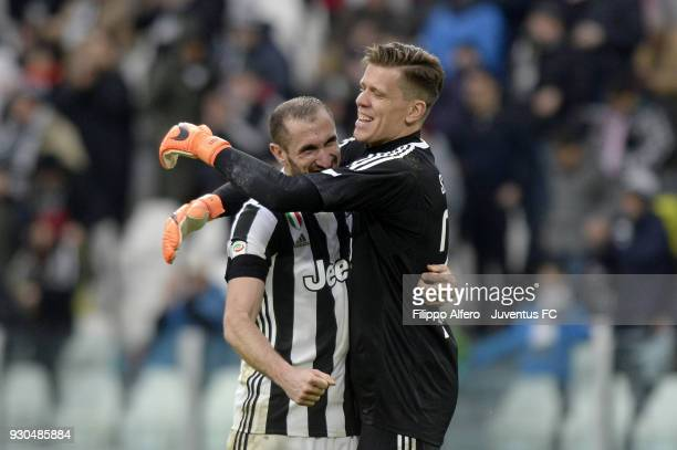Wojciech Szczesny and Giorgio Chiellini of Juventus celebrate the victory at the end of the serie A match between Juventus and Udinese Calcio on...
