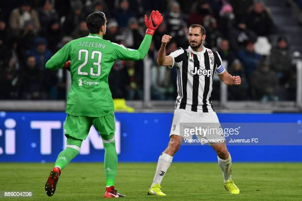 Wojciech Szczesny and Giorgio Chiellini of Juventus having an hifive during the Serie A match between Juventus and FC Internazionale on December 9...